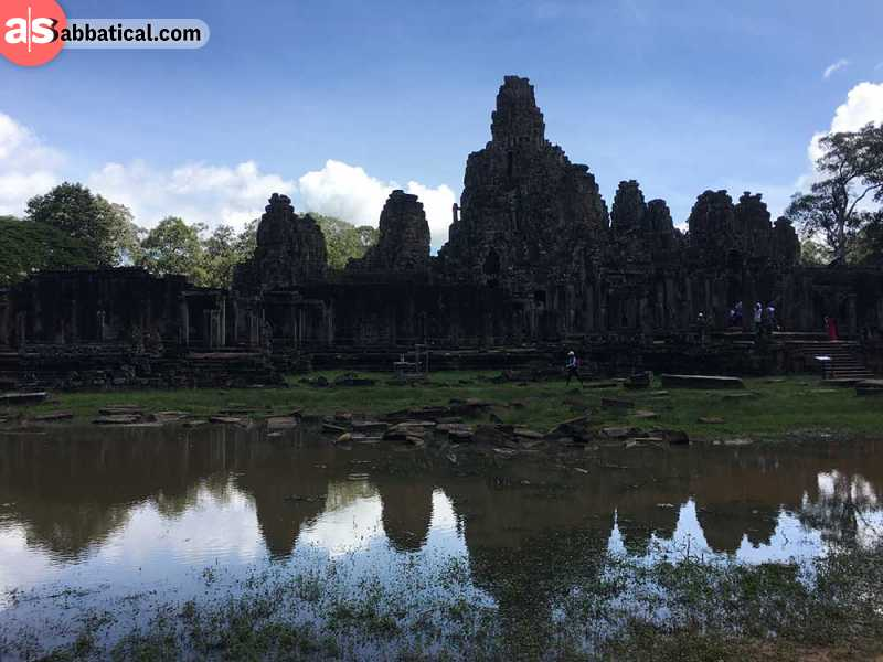 Visiting Angkor Wat Temple is an absolute must on the things to do in Siem Reap!