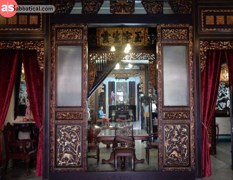 Baba and Nyonya Museum will introduce you to the culture of Chinese descendants.