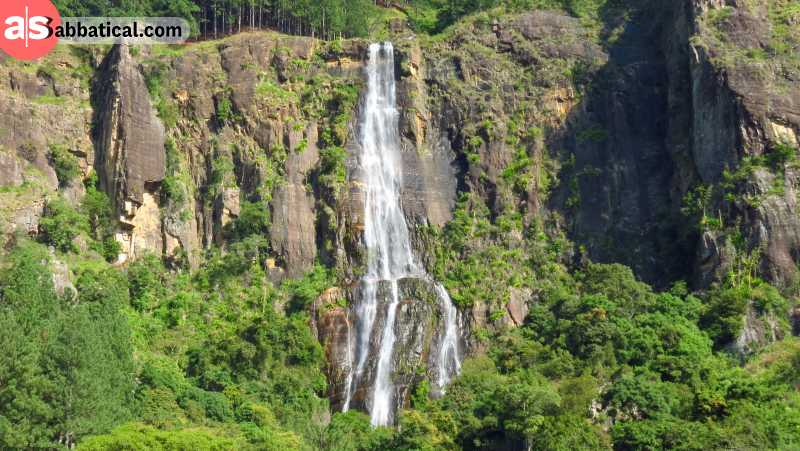 Bambarakanda Waterfall is the highest waterfall in Sri Lanka and it's absolutely breathtaking.