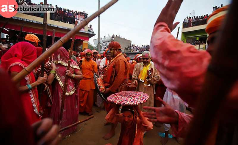 Bani Festival, where the devotees celebrate the killing of a demon by Lord Shiva with stick fighting is one of the unique Andhra Pradesh festivals.
