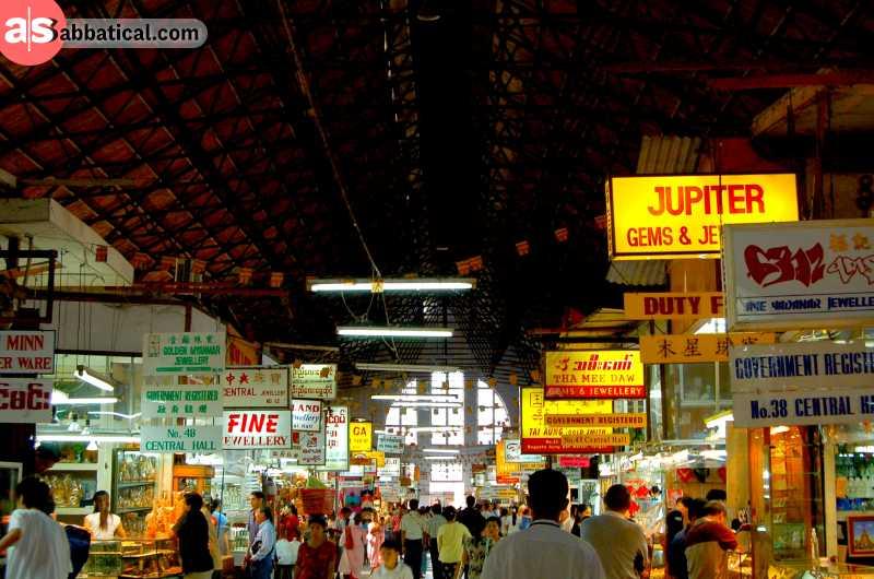 Bogyoke Market is the most popular place in Yangon to get jewelry.