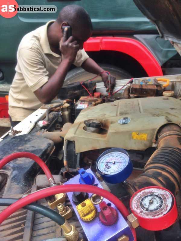 Fix My Car >> How Bush Mechanics Help Fix Your Broken Car In Africa