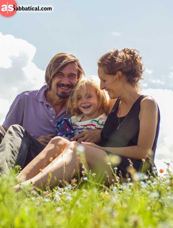 Full-time travel family: Lea, Luk, and Paul