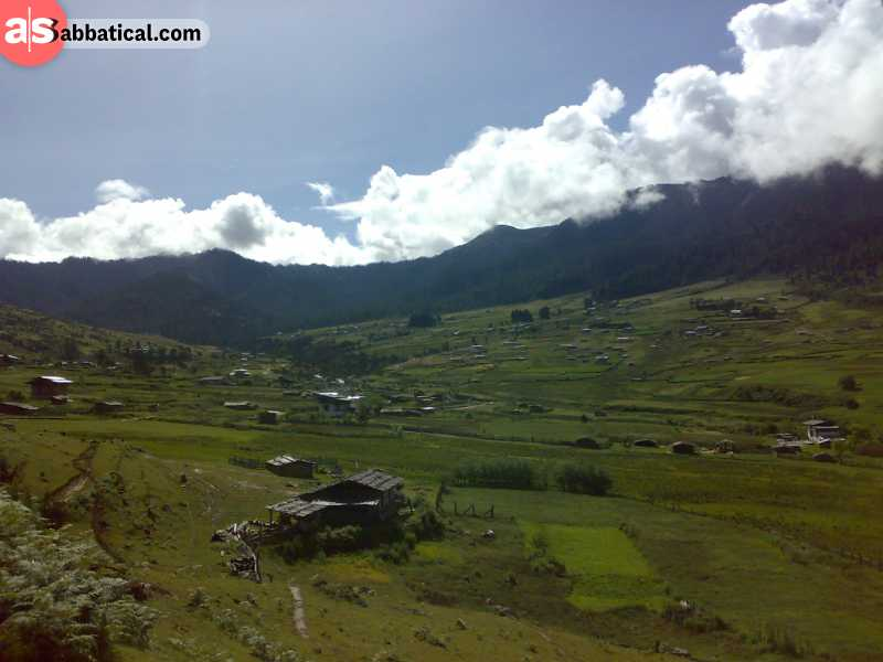 Gangteng or Phobjikha Valley is a serene area that is interesting for nature lovers.