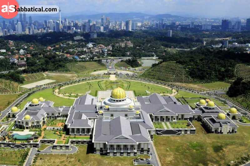 Istana Nurul Iman translates to Palace of Light of Faith. Image Courtesy of Living + Nomads.