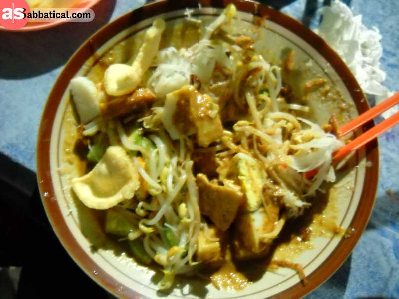 Ketoprak is a traditional Indonesian dish that you can find virtually anywhere in Jakarta.