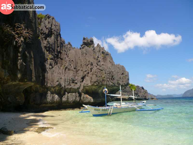 Palawan Island is full of seaside cliffs and gorgeous turquoise water.