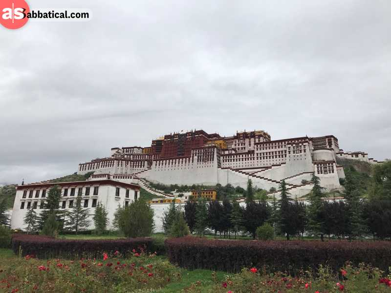Potala Palace, the former residence of the Dalai Lamas, impresses with its exterior architecture.