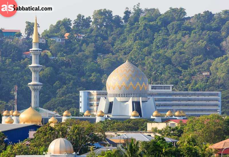 One of the most beautiful tourist attractions in Kota Kinabalu is the Sabah State Museum.
