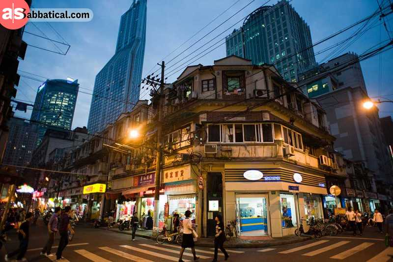 Shanghai is where East meets the West, so it's only natural that there are many places where you can work at maximum productivity there!