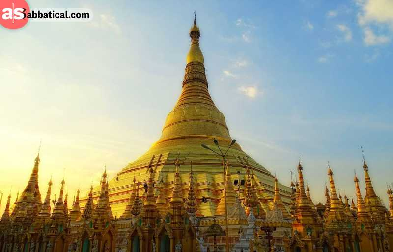Make sure to add the golden Shwedagon Pagoda on your what to do in Yangon list!