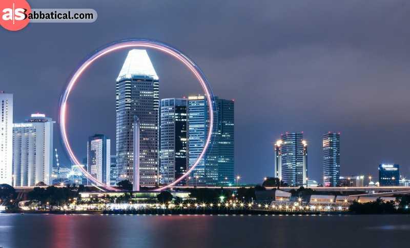 Singapore Flyer at night.