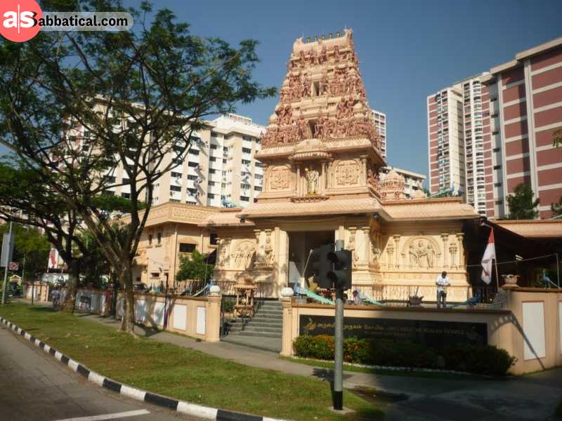 Sri Arulmigu Murugan Temple is a beautiful Hindu temple located in Jurong, near a beautiful garden.