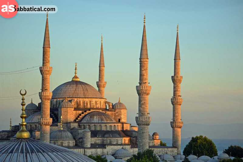 The wonderful architecture of the Sultan Ahmed Mosque.
