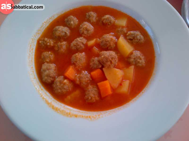 Sulu kofte are meatballs boiled in tomato sauce.