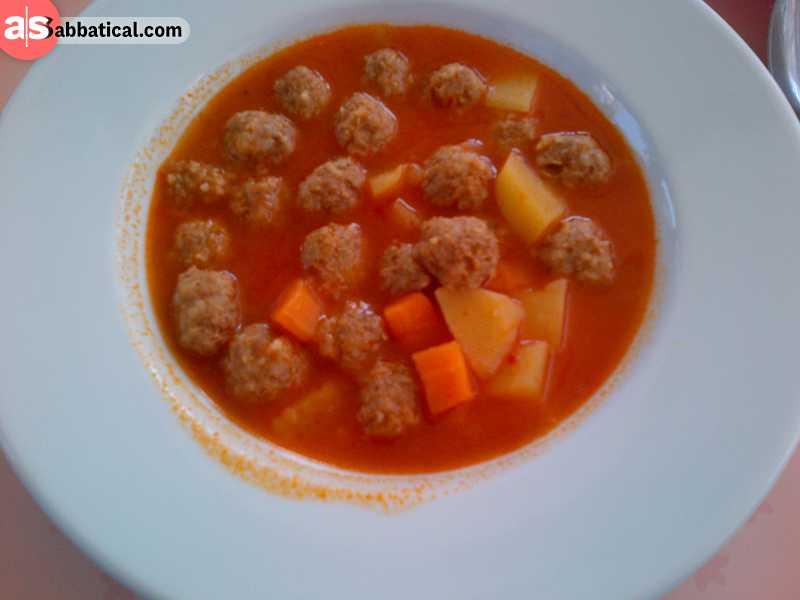 Sulu kofte are meatballs boiled in tomato sauce.