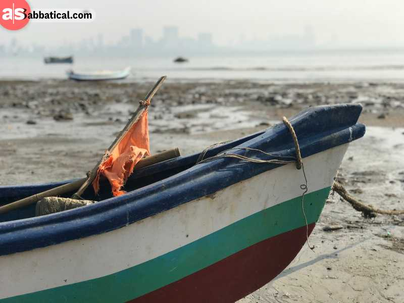 So, what to do in Mumbai when solo traveling? There is a plethora of things to do in Mumbai, from dodging rickshaws in the chaotic traffic, to enjoying the sunset at the beach.